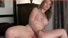 Hottest Handjob MILF Ever live on spicygirlcam.com