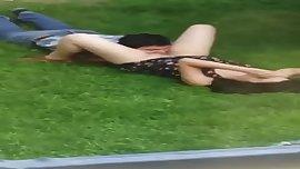 pillados en el parque